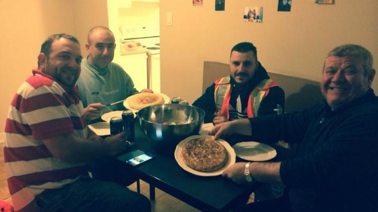 Paco Martos cena tras el tiroteo  Foto: COPE Ribadesella