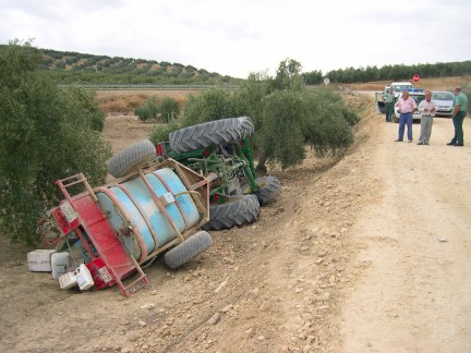 20061018122041-tractor-accidente