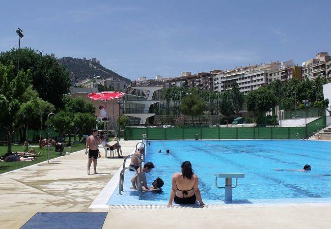 Las piscinas municipales que cierran desde el 31 de for Piscina de coca