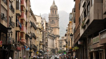 jaen-20-calle-y-catedral