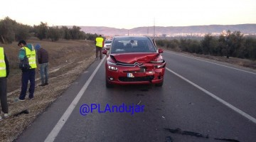 Imagen de uno de los vehículos accidentados. FOTO: POLICÍA LOCAL DE ANDÚJAR