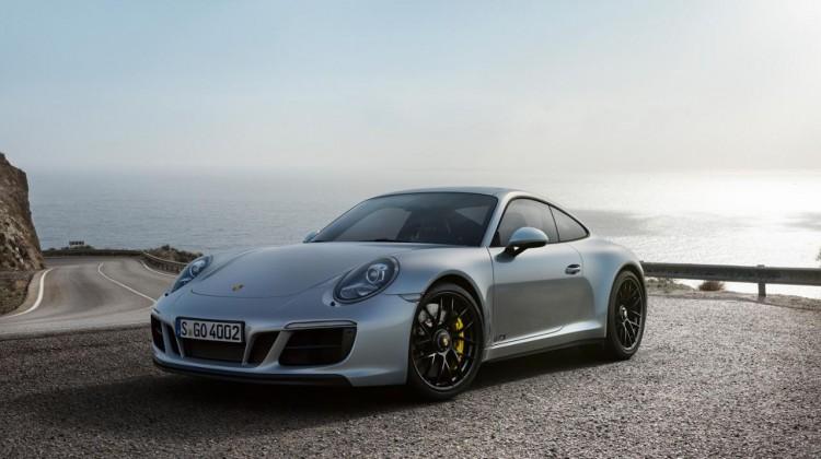 El nuevo 911 GTS 2017, renueva su estética, aumenta su potencia pero se mantiene fiel a la filosofía deportiva Porsche.