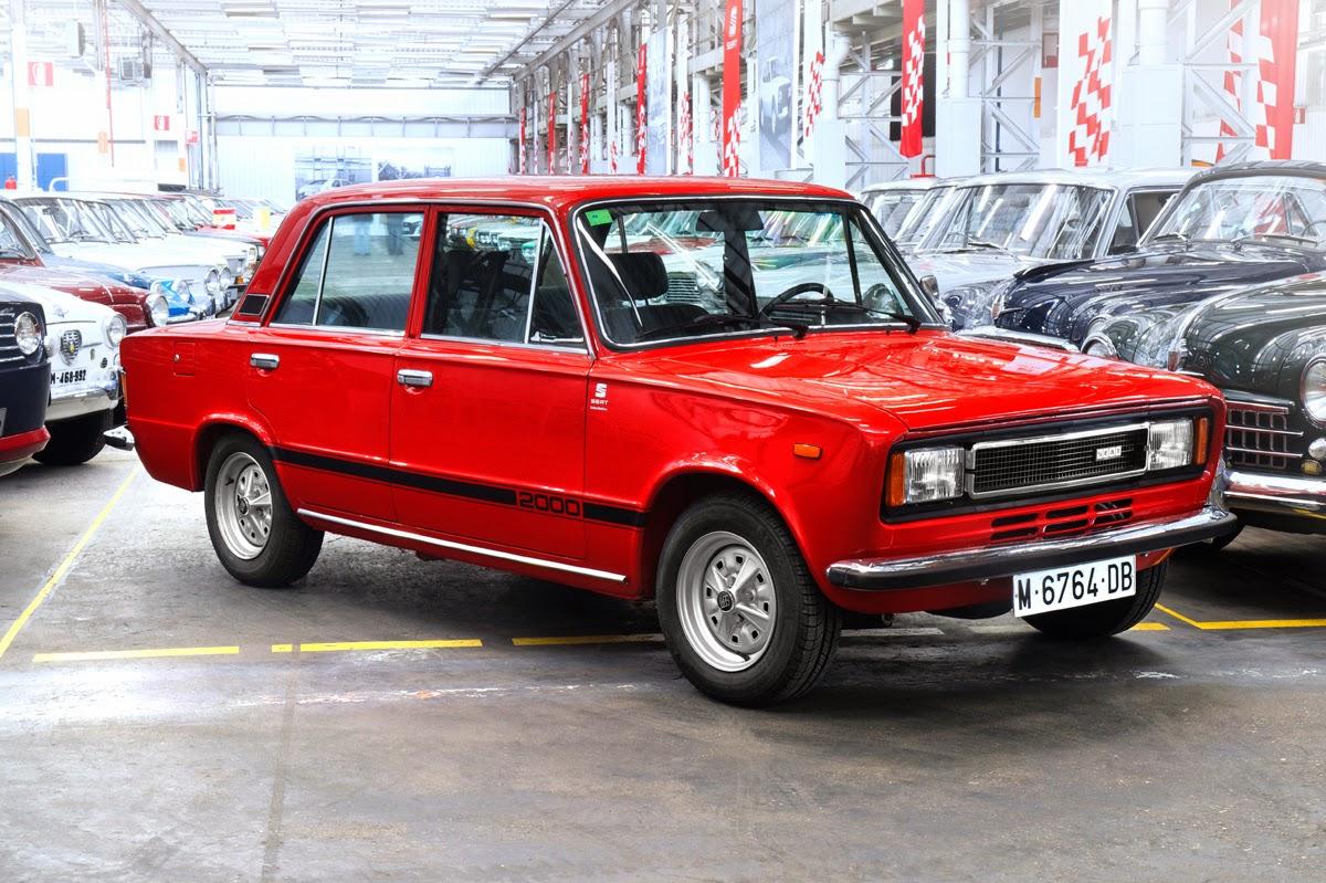 Discreto, potente y ligero. El SEAT 124-2000 se convirtió en el coche de la clase media de la época y usado para múltiples servicios y la competición.