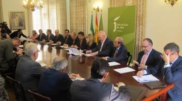 Reunión del pasado martes donde presidentes de Diputaciones, alcaldes, sindicatos y más organizaciones