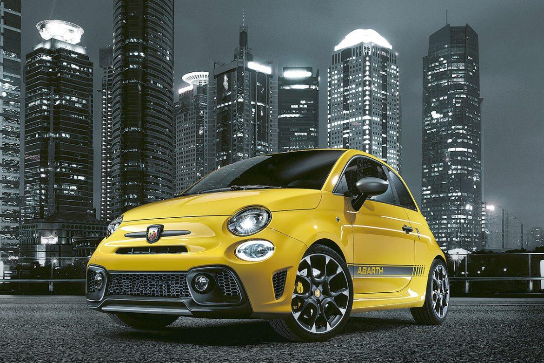 La gama Abarth de Fiat renueva su gama deportiva 500 y presenta el nuevo Pista valido para viajar y eficaz cuándo de conducción deportiva se trata.