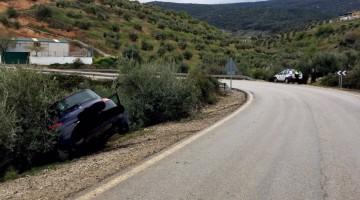 imagen del vehículo accidentado. FOTO: Policía Local de Mancha Real