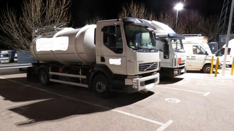 No es la primera vez que roban camiones llenos de aceite. El pasado mes de marzo, en Andújar sustrajeron alguno.