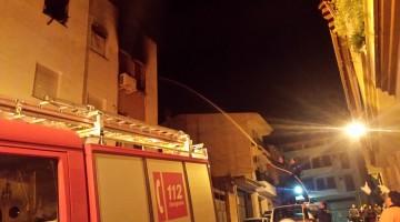 Los agentes de la Guardia Civil colaboraron activamente en el desalojo y la extinción del incendio. FOTO: Guardia Civil