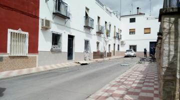 imagen de  la calle donde se ha producido la explosión. FOTO: TORREDONJIMENO DIRECTO
