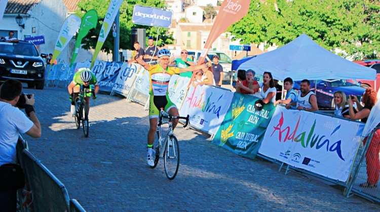 Adrián Cobos, ganador en Alcaudete de la segunda etapa de 2016