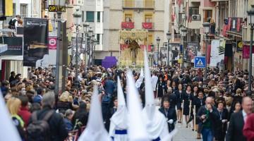 Procesión del Domingo de Ramos en la calle de Jaén. FOTO: HORAJAÉN