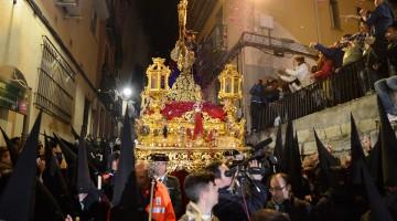 El Abuelo procesionando el año pasado por las calles de centro de Jaén. FOTO: HoraJaén