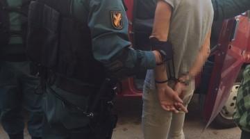 Uno de los detenidos por parte de la Guardia Civil de Jaén.