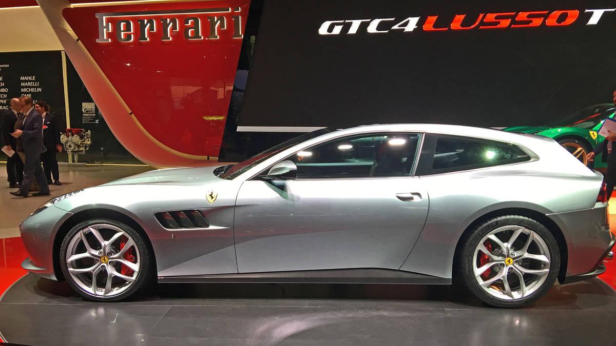 Deportividad, lujo, prestaciones y diseño confluyen en el Ferrari GTC4Lusso manteniendo el tradicional modo de potencia de su V12 atmosférico y tracción total.