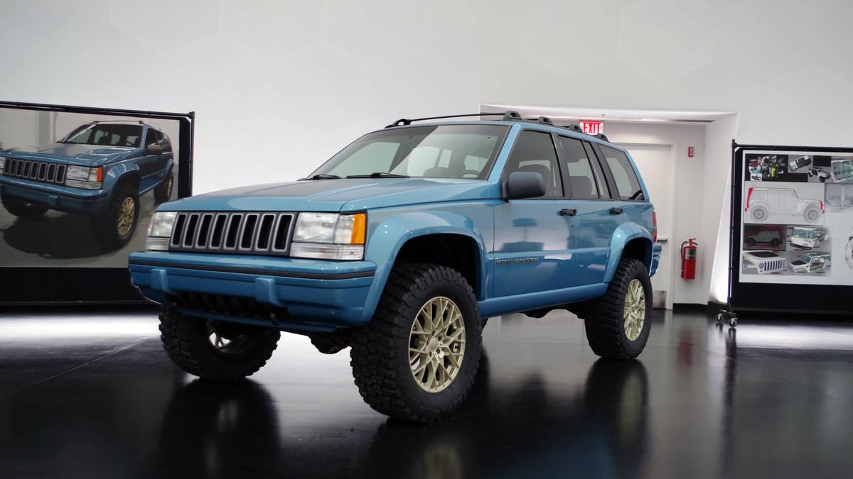 Un modelo de los años 90, actualizado y modernizado, sin perder la esencia de la época. Lastima que de momento solo este disponible en Estados Unidos.