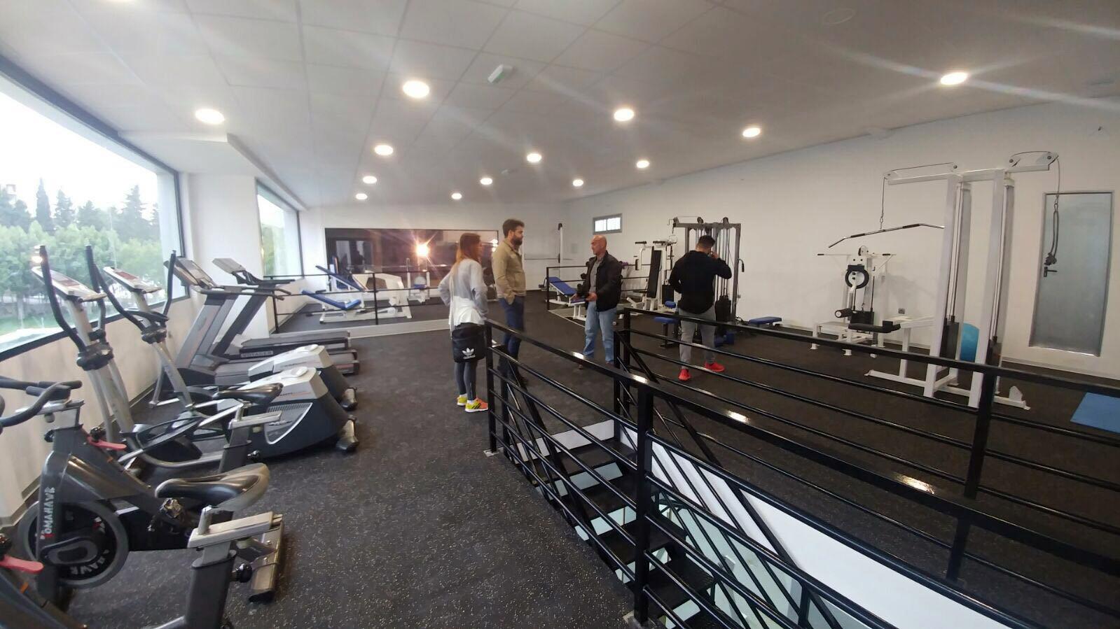Bedmar estrena un nuevo gimnasio equipado con las ltimas for Gimnasio jaen