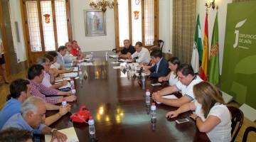 Reunión de alcaldes y el presidente de Diputación en el Palacio Provincial.