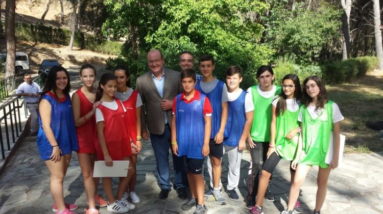 Alcalde visita los campamentos de verano