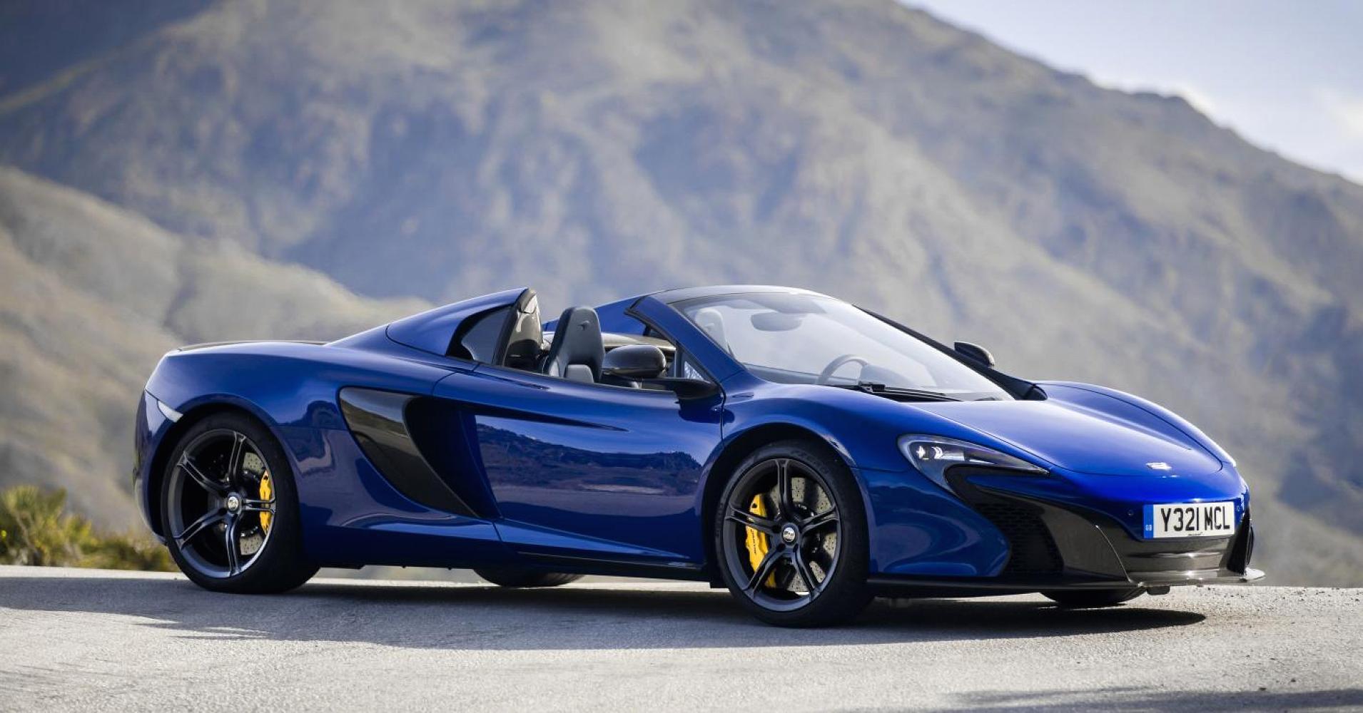 Volar bajo a cielo abierto es una de las muchas virtudes que ofrece el McLaren 570 S Spider, además de su carácter deportivo y la tecnología de Woking británica.
