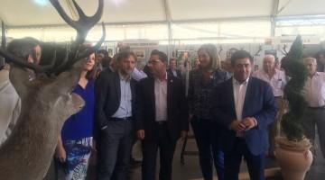 El presidente de la Diputación provincial en la inauguración de la Feria Multisectorial de Andújar.