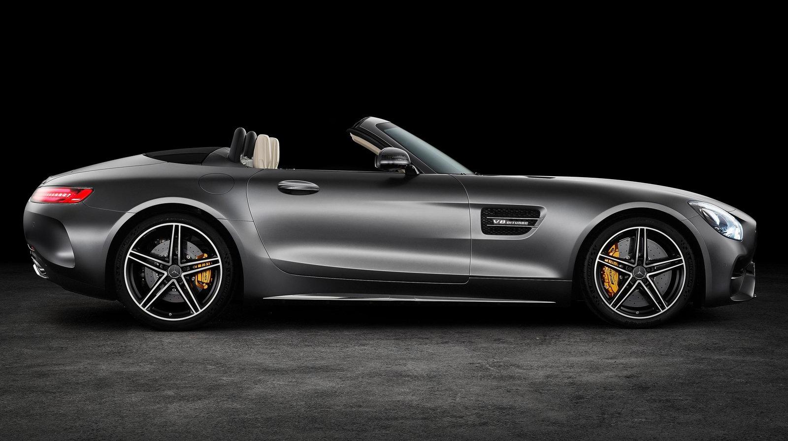 Potencia, lujo, exclusividad y tradición se unen en el AMG-GT Roaster.