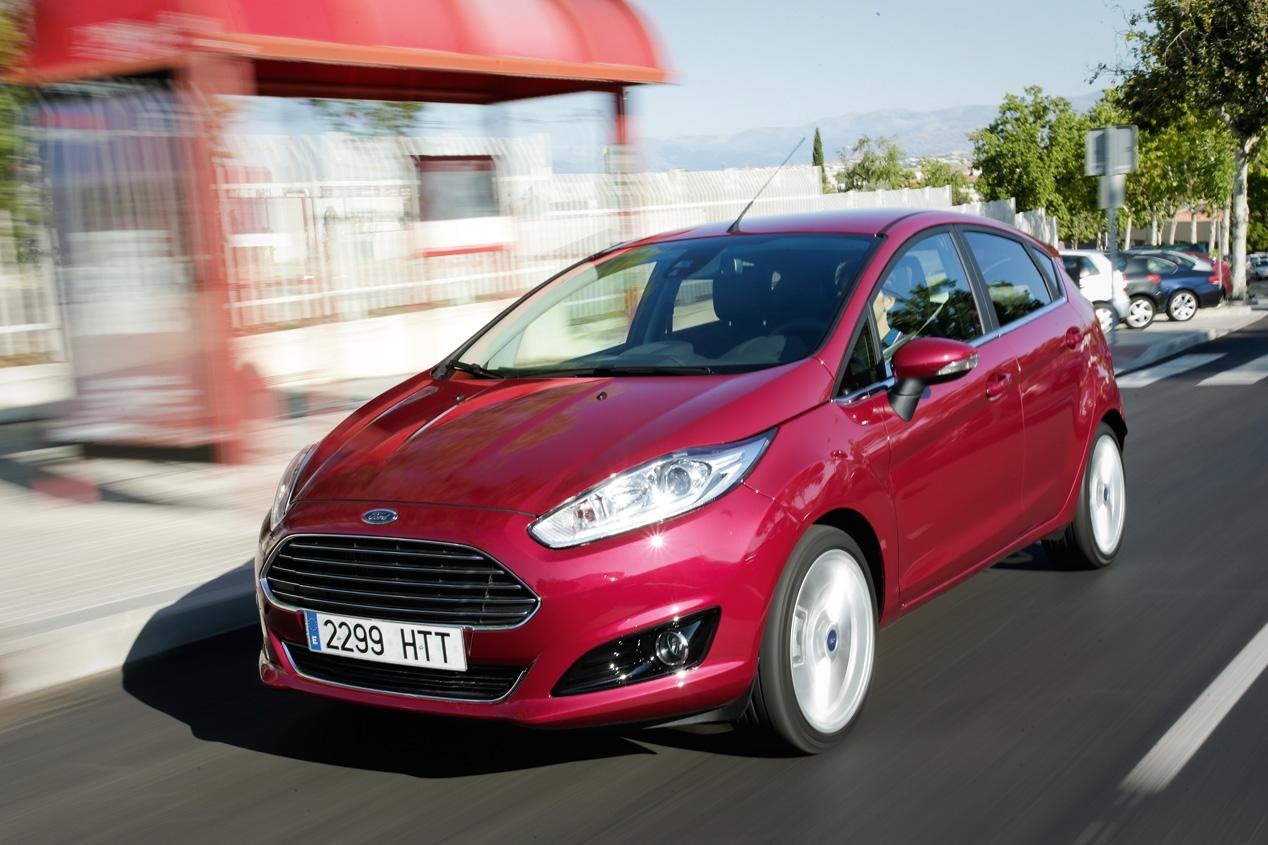Cambio radical, nuevas mecánicas y mayor tamaño son las cartas que presenta el nuevo Ford Fiesta.