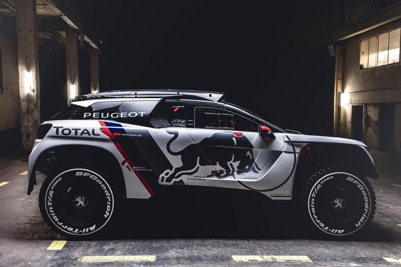 El nuevo Peugeot 3008 DKR será de nuevo el León mas agresivo y feroz en la edición del Rally Dakar 2017, la competición de Raid mas dura y bella del mundo.