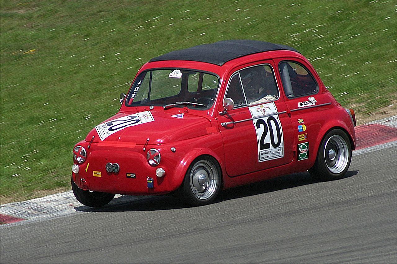 Los austriacos de Puch, además de bicis y motos, produjeron automóviles consiguiendo éxitos comerciales y deportivos hasta el fin de su producción.