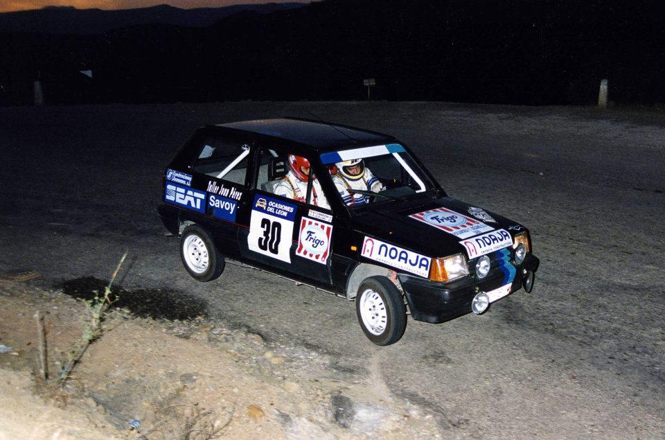 Dani Cumbrero debutó en 1995 como copiloto acompañando al piloto de Jaén Francisco Jurado y su SEAT Marbella.