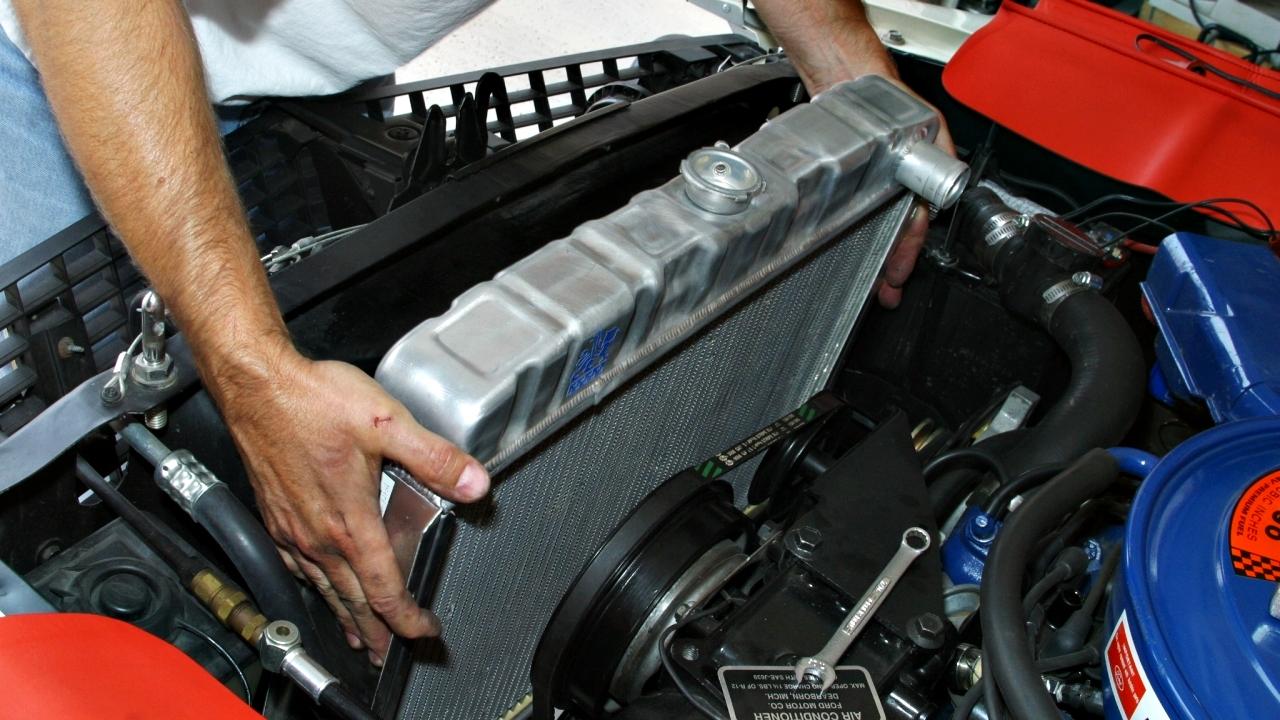 El radiador es una de las partes imprescindibles y vitales del automóvil para el funcionamiento del motor.