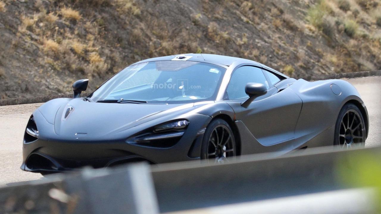 El nuevo McLaren 720S se montará sobre un chasis monocasco de carbono, muy ligero. Hasta el Salón de Ginebra no será desvelado el secreto total de este deportivo.