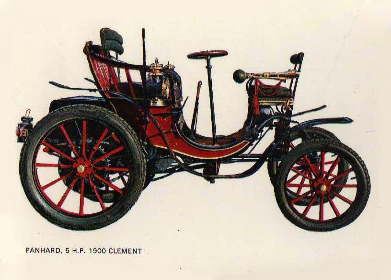 El Clement en el año 1900, consta como el primer coche matriculado en España, y fue importando de Francia por un mallorquín.