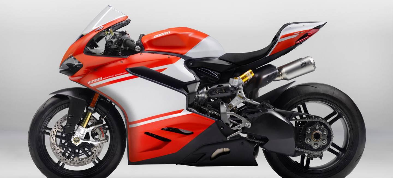 La más radical moto de calle homologada desde los circuitos para disfrutar de su exclusividad y potencia destinada para los más radicales Ducatistas.