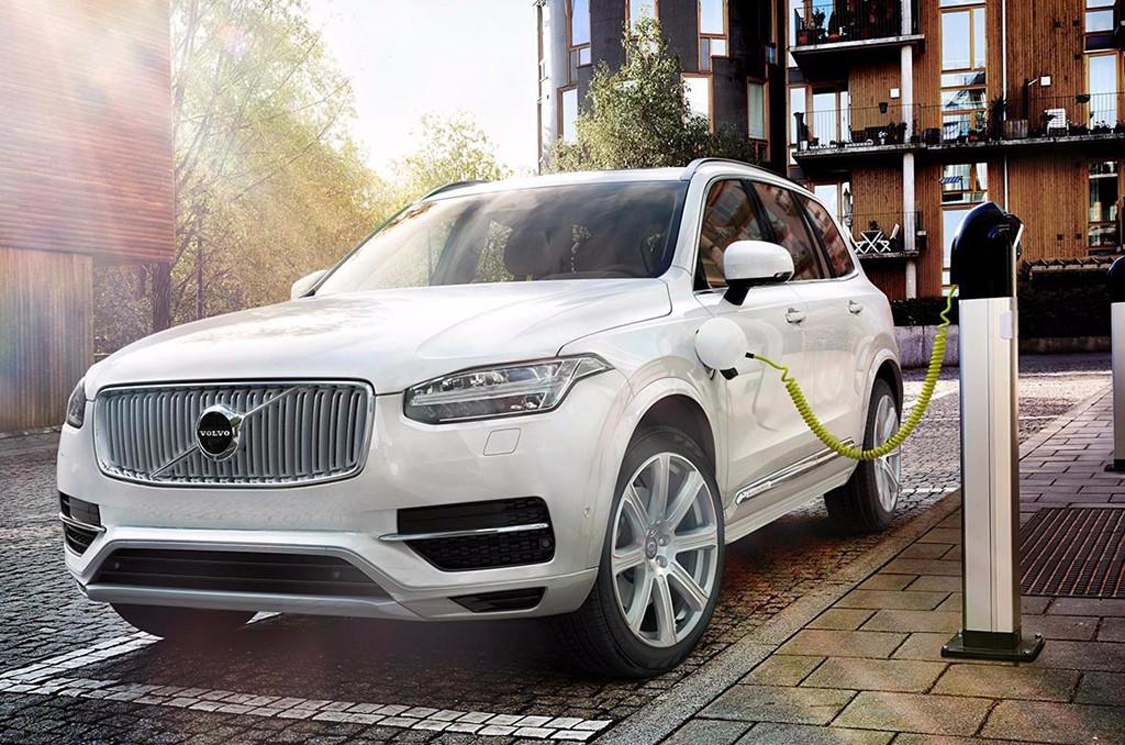 Volvo tendrá listo su primer modelo totalmente eléctrico para el 2019 y expandir este sistema de propulsión para un millón de unidades en 2025 y autónomo en 2021.