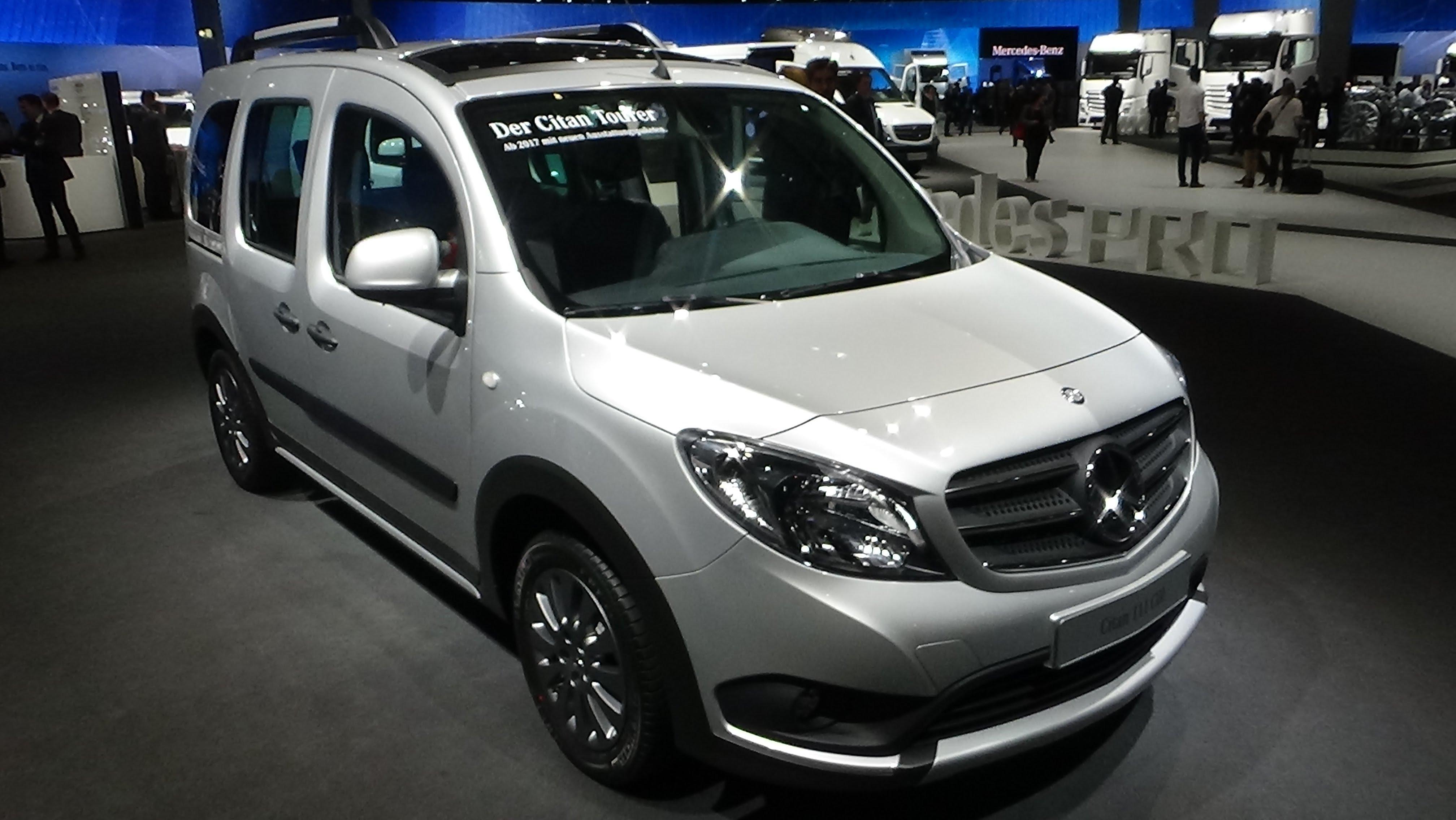 La estrella de Mercedes tiene brillo comercial mixto con la nueva Citan 2017, donde se alterna el trabajo diario con el ocio y la polivalencia familiar.