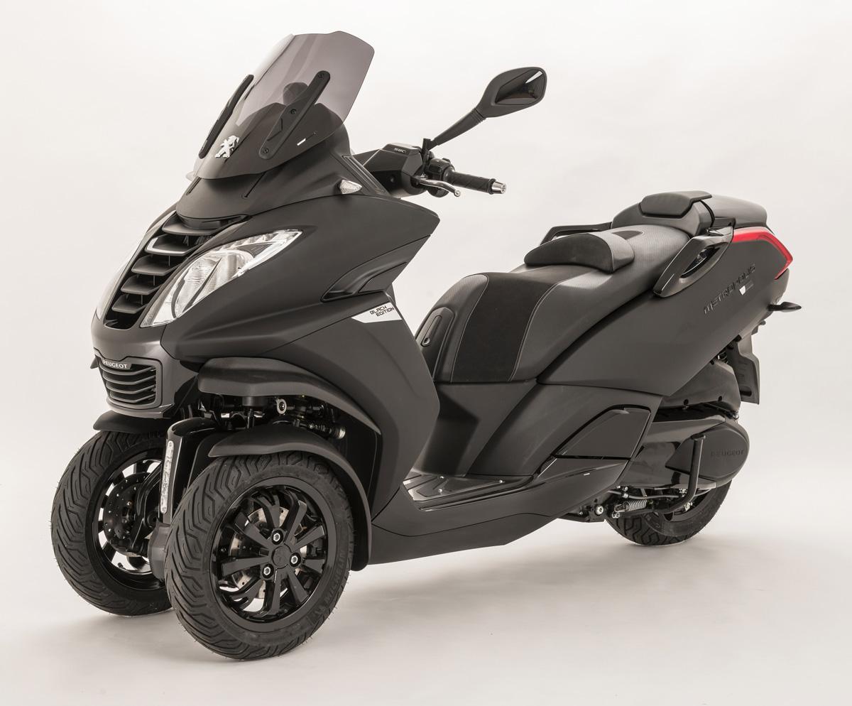 El Scooter Metropolis se renueva en muchos aspectos y habrá versión deportiva para los amantes de las tres ruedas.