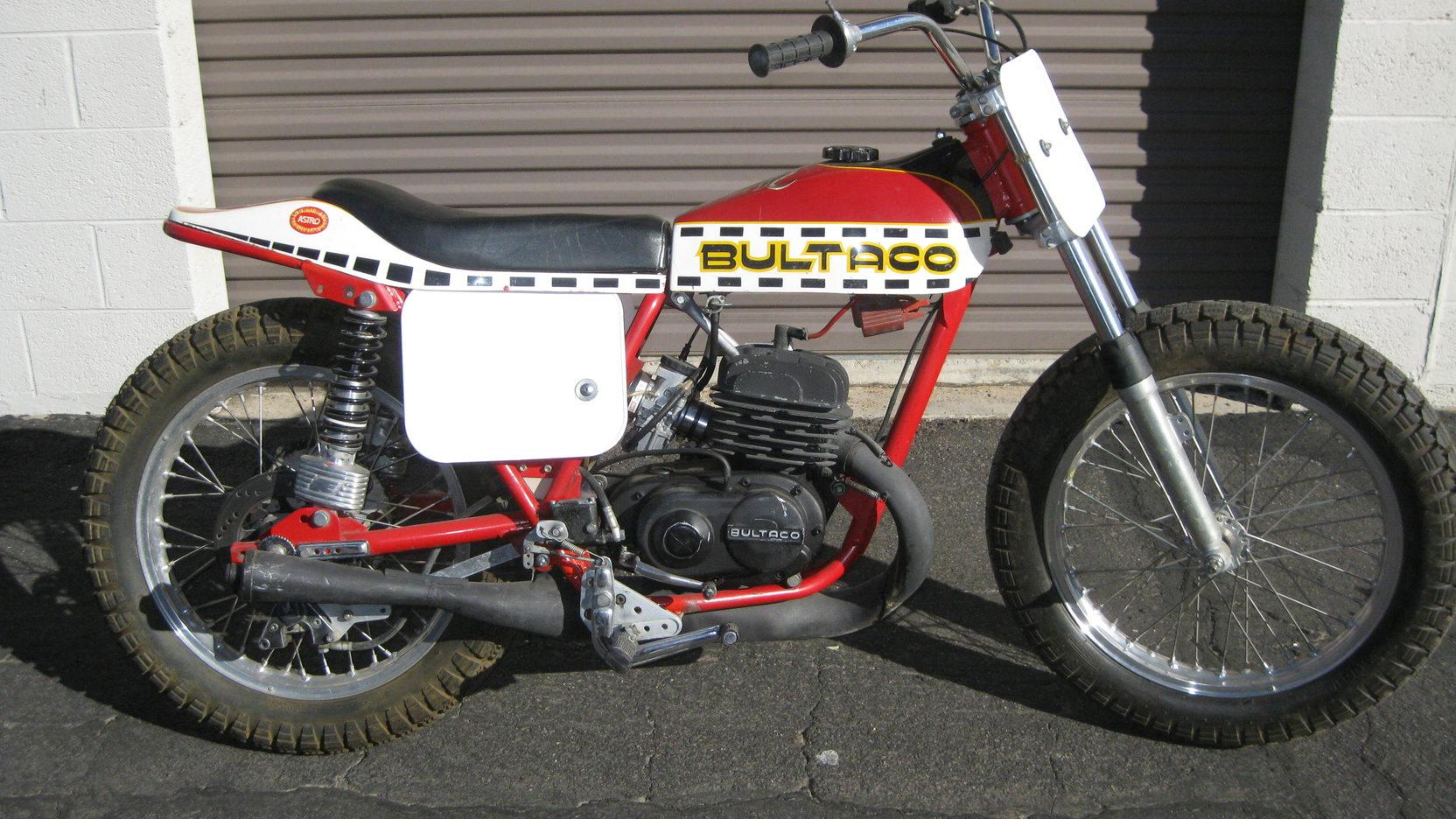 Nervio Bultaco para conquistar las carreras Dirt-Track americanas y el mercado trasladando el alma española a los circuitos del derrape controlado.