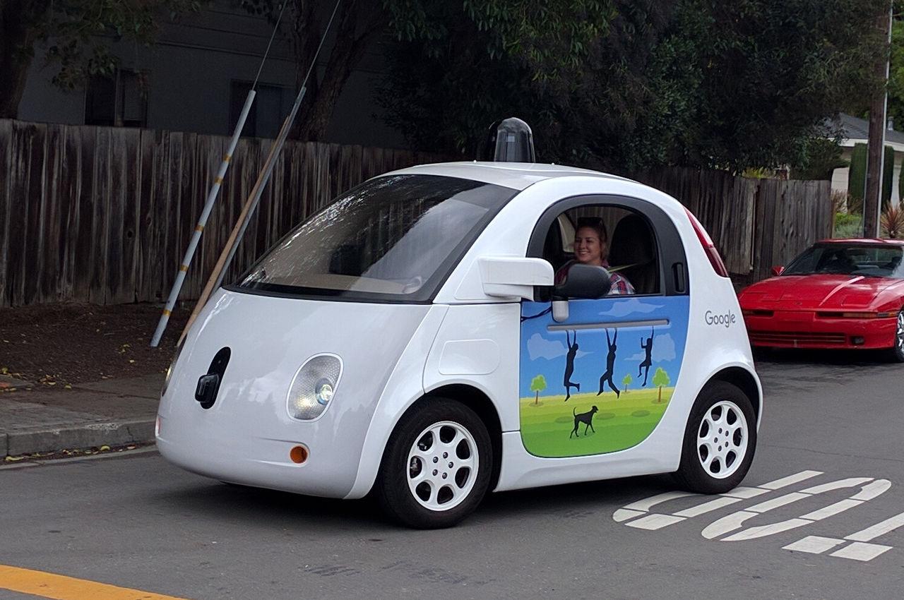 La conducción autónoma es ya una realidad donde se sitúan actualmente en el nivel dos de los cinco a los que se pretende llegar con el objetivo de reducir la siniestralidad o eliminarla por completo en un futuro no demasiado lejano.