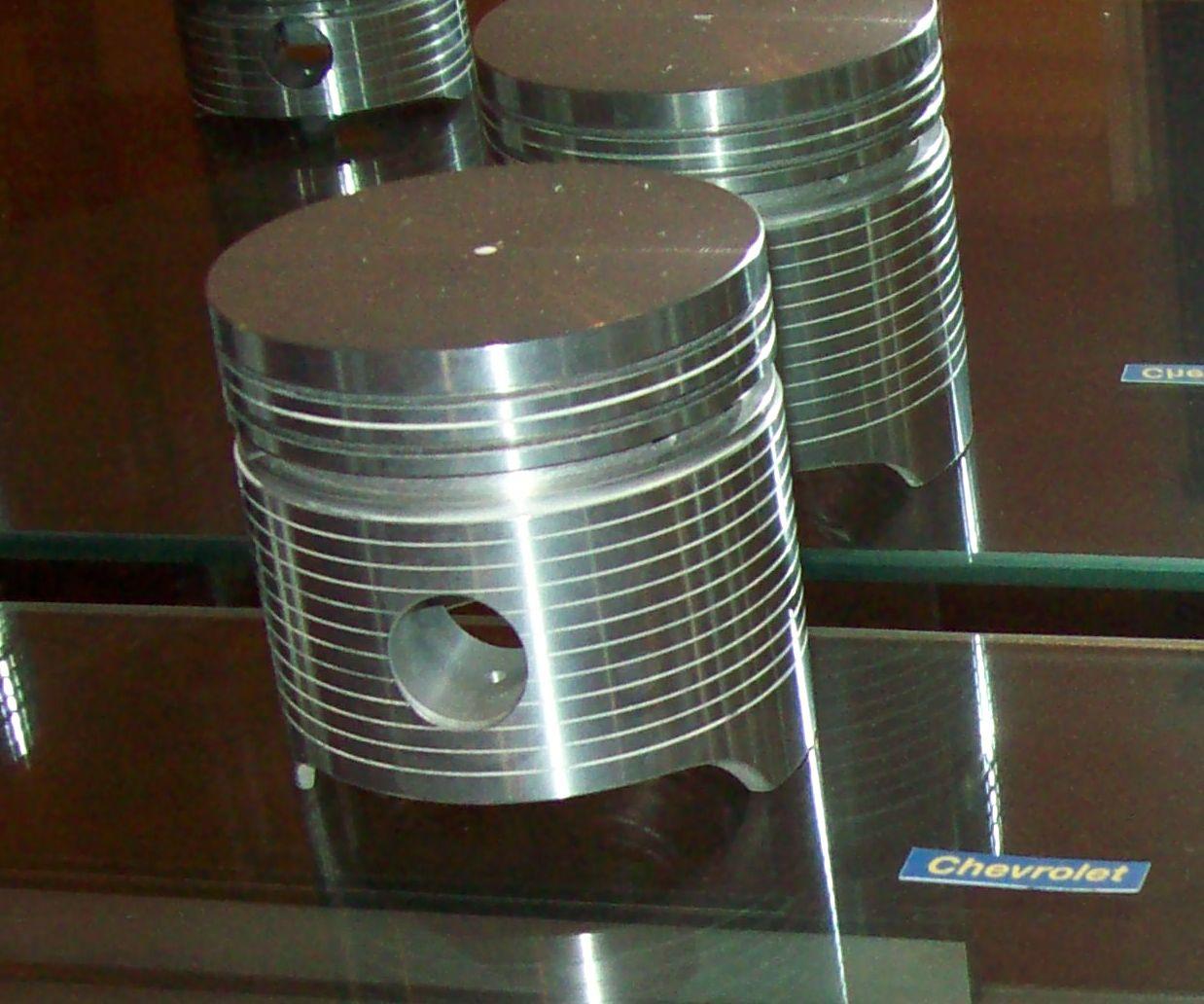 El cilindro es uno de los elementos básicos, fabricado normalmente en aleación de aluminio.