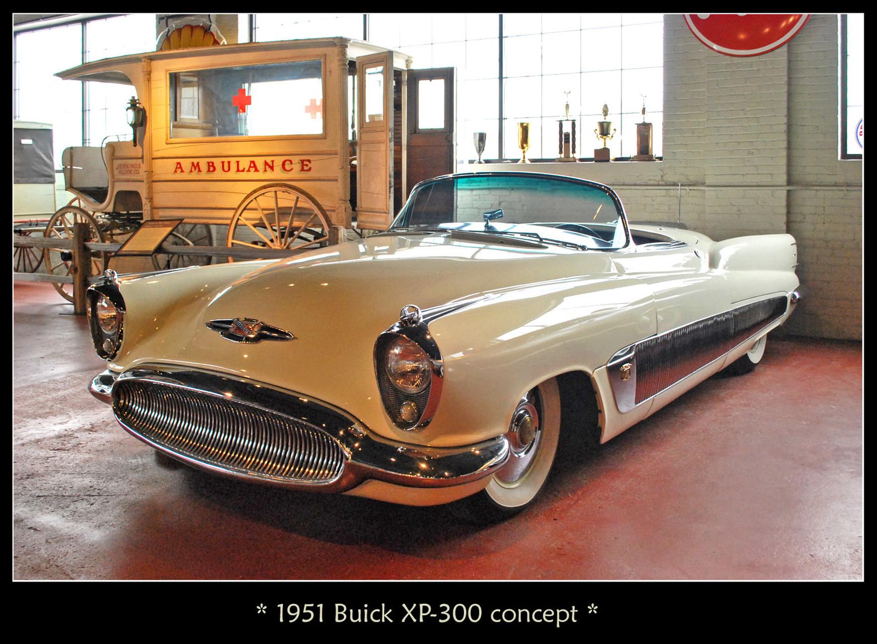 Bello, potente y de finas líneas, el Buick XP 300 bajo del cielo y del diseño de la aviación para ser un icono de la marca y conquistar su época.