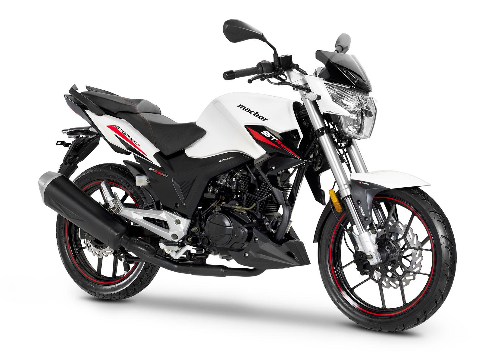 Una moto perfecta y asequible para iniciarse en el mundo de la moto, además de sus funciones para moverse por la ciudad y disfrutar de desplazamientos cortos por carretera.