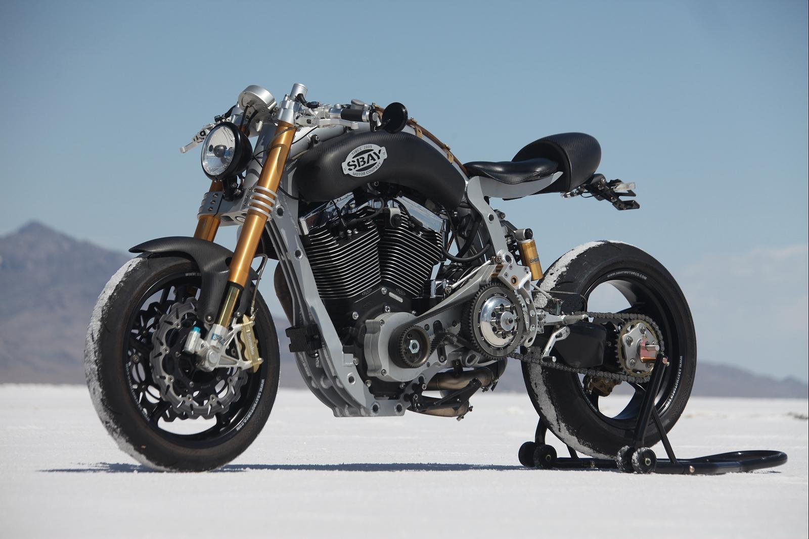 Fabricadas en España con acento Andaluz de Cádiz, esta marca de motocicletas hacen de cada modelo un mundo único y diferente para cara uno de sus clientes que buscan algo mas que potencia y diseño.