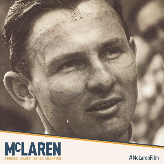 Bruce Mclaren fue el fundador de las escudería Mclaren logrando multitud de éxitos y victorias que se alargan hasta el día de hoy. Perfeccionista y ordenado Bruce fue un referente en la competición de Formula uno.