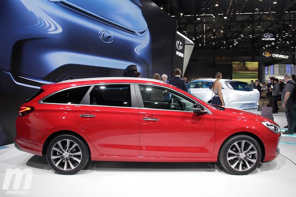 Espacio y ajustados consumos se unen al diseño y calidad del nuevo i30 de la que se aprovecha la versión más familiar con el CW.