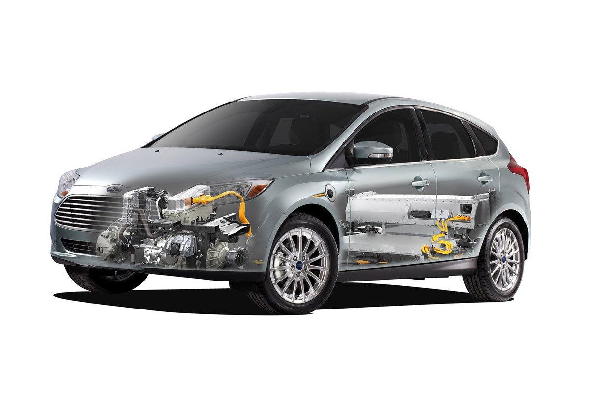 Ford desarrolla un plan de electrificación de sus vehículos y el nuevo Focus es una muestra de ello con mas autonomía y rapidez de recarga.